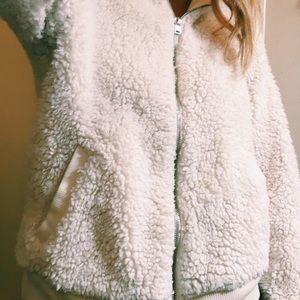 Fluffy hollister jacket